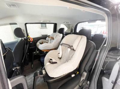無料送迎サービス有り! チャイルドシート4台完備。 0ヶ月〜のお子様に対応可能です。 大家族様向けに10人乗りのハイエースのご用意もあります^^