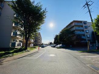 習志野七ツ台住宅 各世帯1台完備!平置きで車種制限もございません!