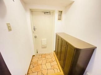 習志野七ツ台住宅 玄関にはシューズボックス付きです!上部はインテリアも飾れますね♪