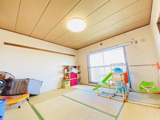 習志野七ツ台住宅 南向きの和室6帖!リビングと続き間になっており、一体で利用も可能です!