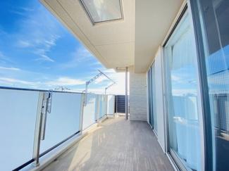 オハナ船橋習志野台 南東向きの2部屋にまたがる広々としたバルコニーです。