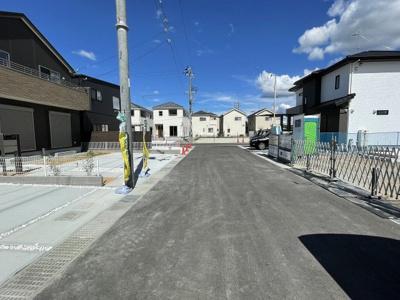 【前面道路含む現地写真】三木市別所町近藤 東栄住宅 3号棟