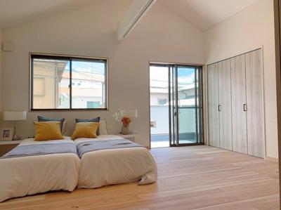 ベッドルームに最適なゆったりとした洋室です。