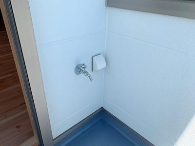バルコニーに水栓がついていて便利です。