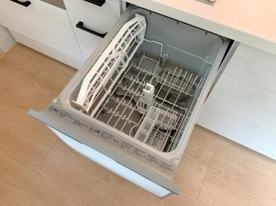 便利な食器洗浄機付きです。