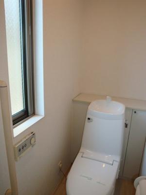 1階のトイレです。2階にもございます。