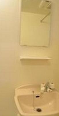 洗面台はバスルームにあります☆(同一仕様写真)