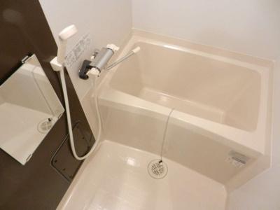清潔感のばっちり 広々お風呂