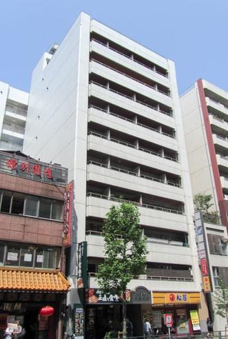 フルリノベーション物件 「新宿」駅南口より徒歩9分 3駅利用可能 内装アフター保証付(最長2年間)
