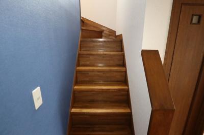 階段は手すりがないので、取り付けをご希望の場合はご相談ください!