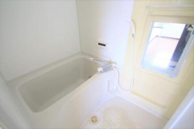浴室はユンットバス