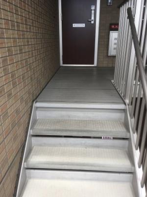 玄関入り口階段