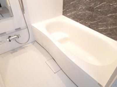【浴室】Grisaille