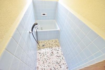 【浴室】本町貸家
