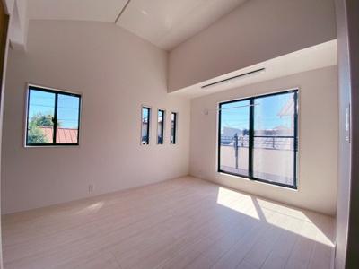 2面採光の為、全居室とても明るく風通りも良好です
