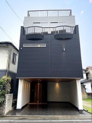徒歩7分圏内で南海本線・阪堺電軌阪堺線の2WAYアクセス可能な立地!鉄骨造3階建の4LDK住宅です♪