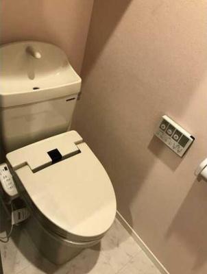 【トイレ】ウェルスクエアイズム三軒茶屋 2人入居可 駅近 浴室乾燥機