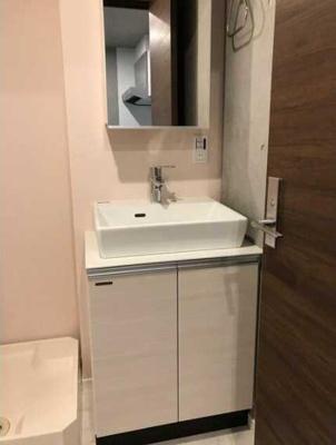【洗面所】ウェルスクエアイズム三軒茶屋 2人入居可 駅近 浴室乾燥機