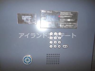 【セキュリティ】レジディア三軒茶屋Ⅲ ウォークインクローゼット 独立洗面台