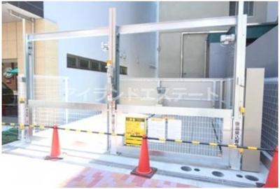 【駐車場】レジディア三軒茶屋Ⅲ ウォークインクローゼット 独立洗面台