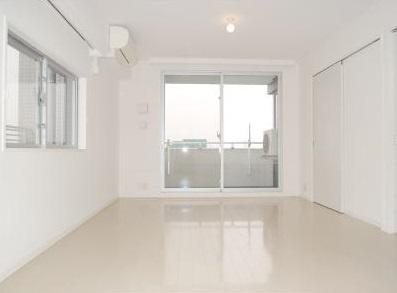 【居間・リビング】パークアクシス三宿 ファミリー向け ペット相談可 浴室乾燥機