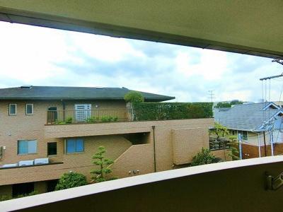 バルコニーからの眺め^^駅徒歩圏内の静かな住宅地