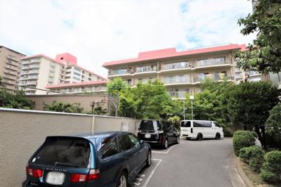 全4棟建てのマンション群 2WAYアクセス可能です!