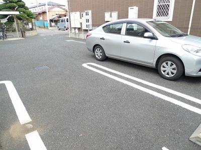 【駐車場】フラワーレジデンス