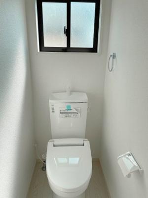 トイレは安心の2箇所!朝のバタバタも一安心です。