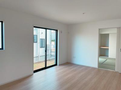 南面LDK+隣接和室、間仕切りを開放すれば計22畳のおもてなしスペースに