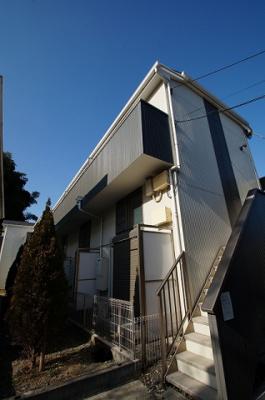 横須賀線「保土ヶ谷」駅まで徒歩10分のアパートです