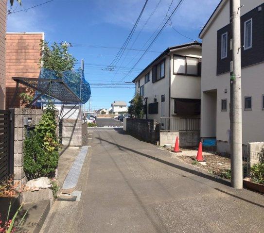 【前面道路含む現地写真】松戸市五香西2丁目