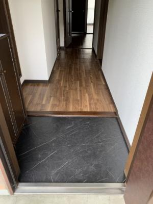 【玄関】アルトラマンション B棟