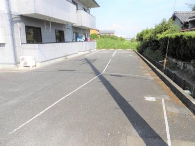 【駐車場】ムーンライト片山S館