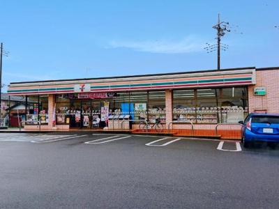 セブンイレブン大泉仙石2丁目店まで514m