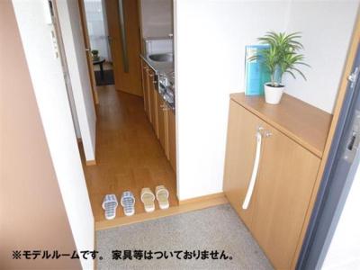 靴箱付きで玄関スッキリ☆