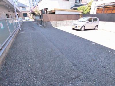 敷地内駐車場は安心ですよね