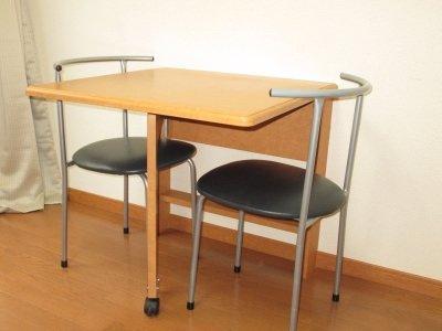 テーブル・イスもついています!