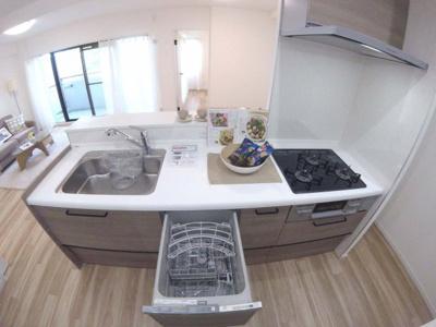 浄水器、食器洗浄乾燥機付きカウンターキッチン新調!