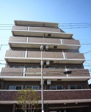 京浜急行本線「八丁畷」駅より徒歩4分の駅近マンションです