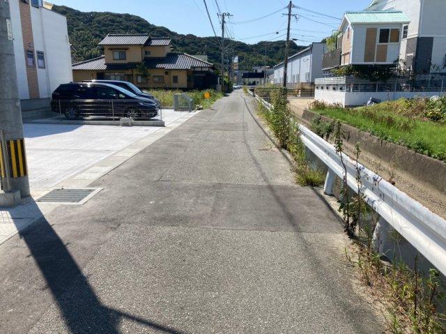 【前面道路含む現地写真】デザイン住宅「FIT」糸島市加布里4丁目1期2号棟 4LDK