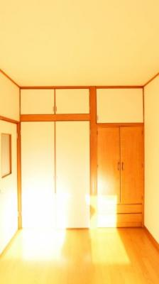 【洋室】栄町2丁目貸家