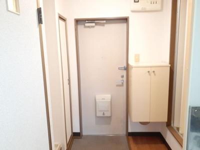 【玄関】ロイヤルヒルズ織茂