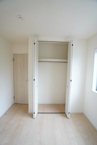 【同仕様施工例】2階5.34帖 シンプルで使い勝手のよいクローゼットです。