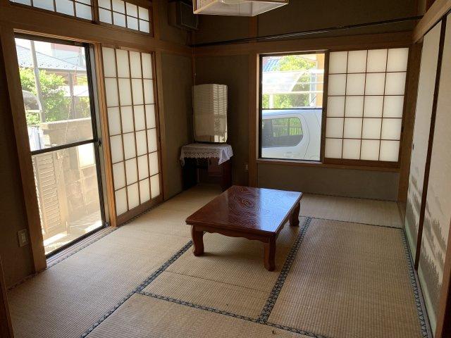 2面窓で明るい和室です