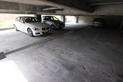 【駐車場】サンロイヤル霞ヶ丘