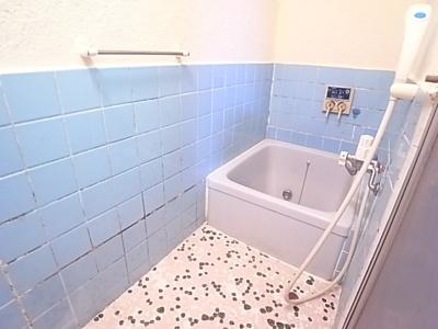 【浴室】泉ヶ丘5丁目貸家