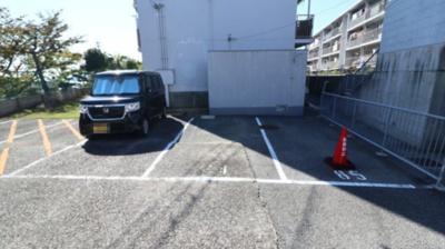 【駐車場】上高丸厚生年金住宅3号棟