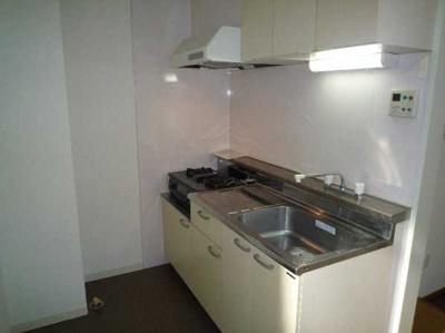 【キッチン】セゾン石塚 収納2ヶ所 室内洗濯機置場 洋室7帖