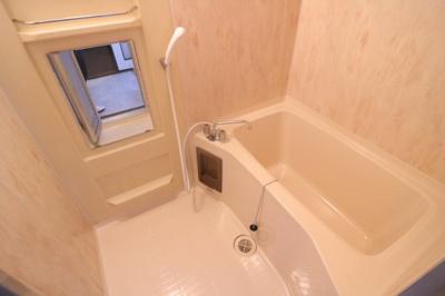 【浴室】大手町8丁目貸家